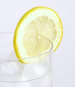 Natural remedies for Stomach Ache - Lemon water