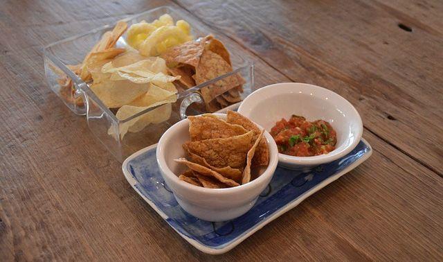 Low Calorie Cinnamon Chips Strawberry Avocado Salsa